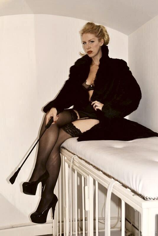 Huddersfield Mistresses Helena fur and whip gd